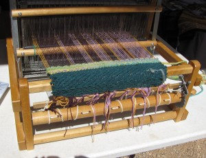 Table loom demo by TDLT Fiber Artists.