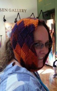 This is me trying out an Entrelac piece by Carol Eggers.